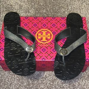 Size 8 Tory Burch Thora flat sandal